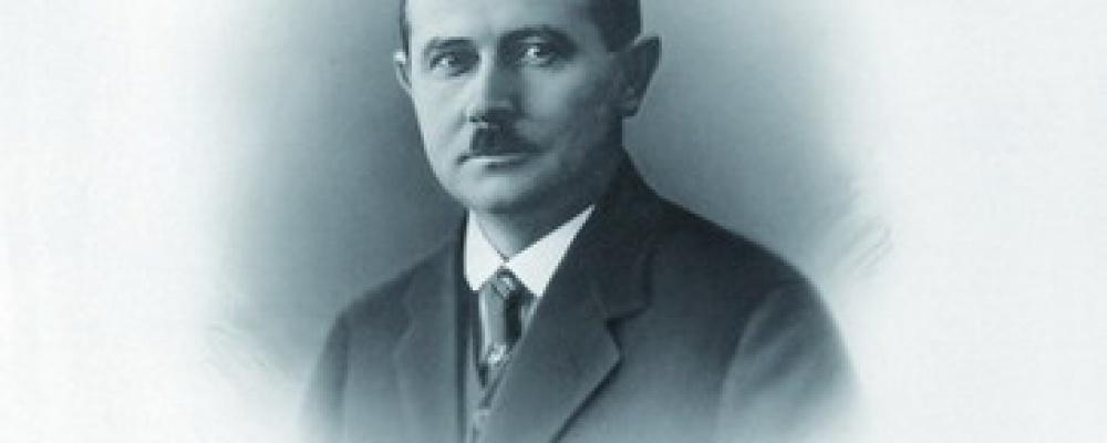 MUDr. Pavel Trnka - Rodák z Německého Brodu narozený roku 1885, primář a chirurg našeho ústavu v době od 1918 do 1926.