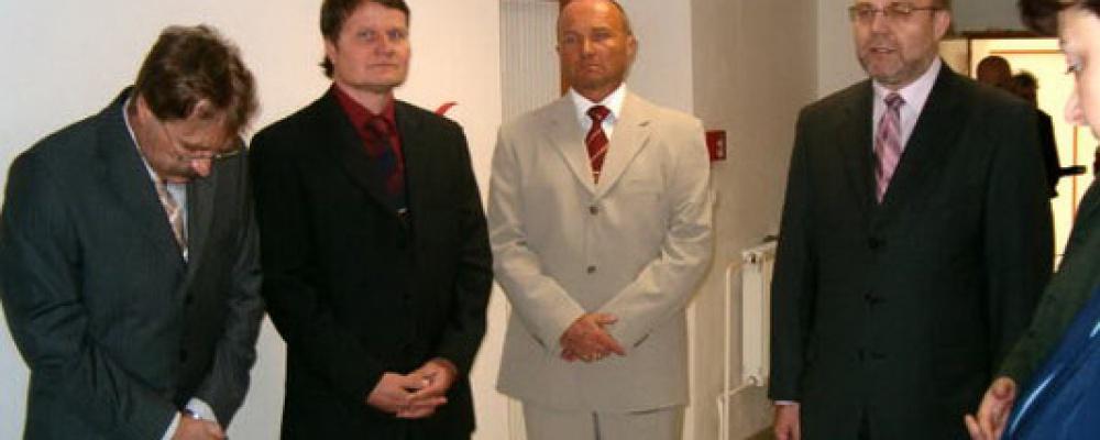 Otevření prvních dvou stanic s lůžky následné péče, rok 2005 - Zástupci majitelů a vedení společnosti.