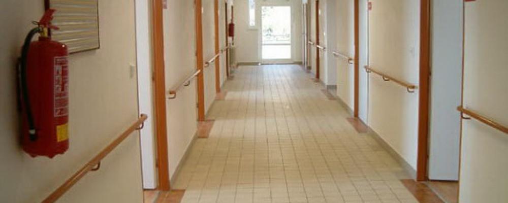 Otevření prvních dvou stanic s lůžky následné péče, rok 2005 - Chodba v lůžkové části.